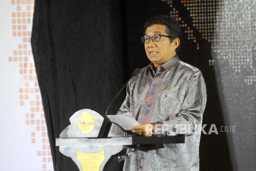 Ketua Dewan Komisioner OJK Muliaman D Hadad