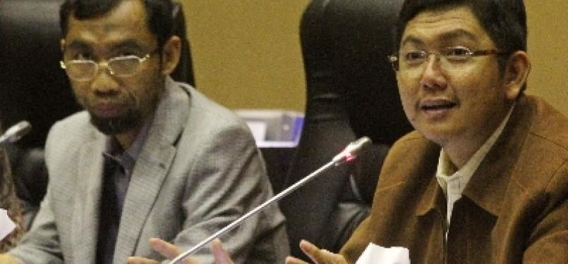Ketua Fraksi PKS Mustafa Kamal (kanan) dan Sekretaris FPKS Abdul Hakim (kiri)