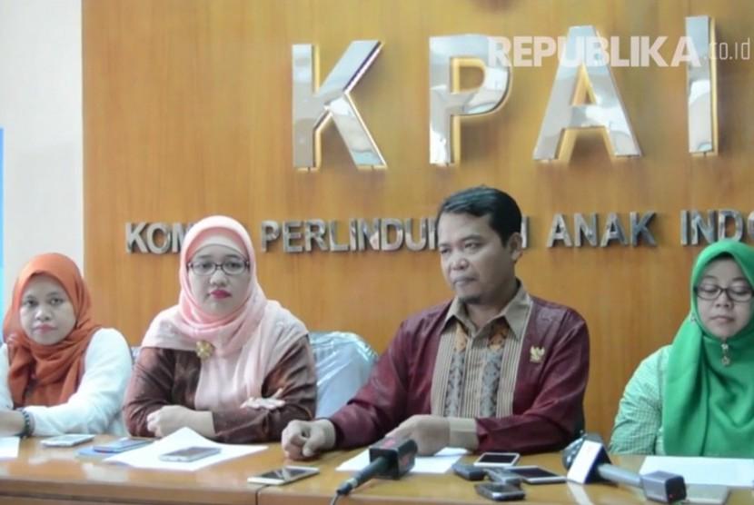 Ketua Komisi Perlindungan Anak Indonesia (KPAI) Susanto (kedua dari kanan).