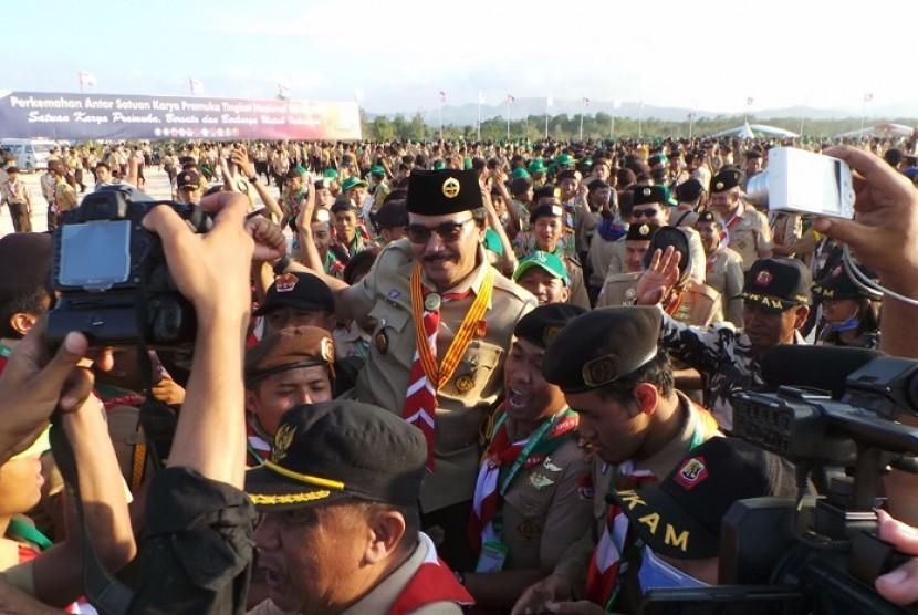 Ketua Kwartir Nasional (Kwarnas) Gerakan Pramuka Adhyaksa Dault mengajak seluruh anggota Pramuka untuk mempromosikan potensi daerahnya dengan mengikuti lomba video reportase