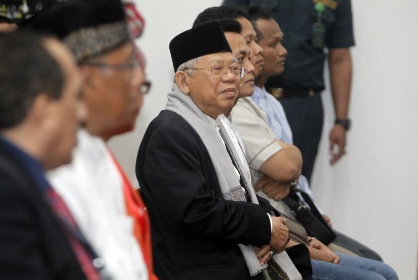 Ketua MUI Ma'ruf Amin hadir menjadi saksi pada persidangan kedelapan perkara dugaan penistaan agama dengan terdakwa Basuki Tjahaja Purnama atau Ahok di di Gedung Kementerian Pertanian (Kementan), Jakarta, Selasa (31/1).