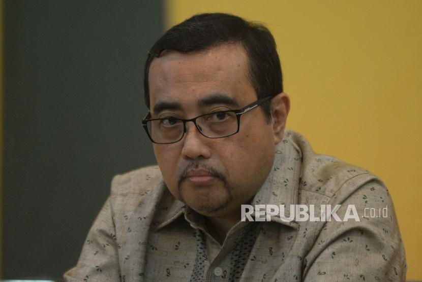 Ketua Pengarah HUT Partai Golkar ke 53 M Yahya Zaini saat memberikan keterangan terkait pelaksanaan HUT Partai Golkar ke 53 di Jakarta, Rabu (18/10). Partai
