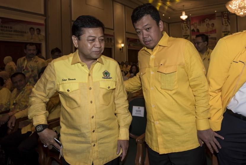 Ketua Umum DPP Partai Golkar Setya Novanto (kiri) didampingi Ketua Koordinator Bidang Pemenangan Pemilu Wilayah Indonesia I Nusron Wahid (kanan) (Ilustrasi)