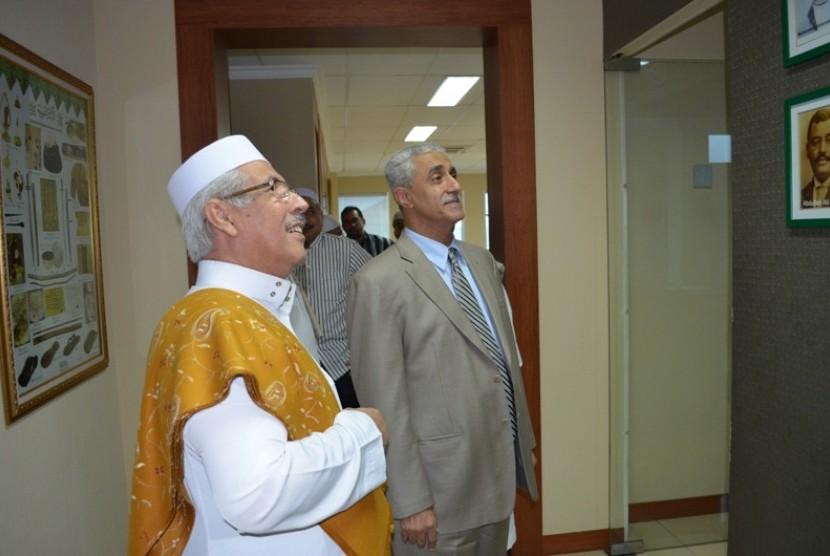 Ketua Umum DPP Rabithah Alawiyah, Habib Zen bin Smith dan Duta Besar Yaman, Ali Ali Alsoswa