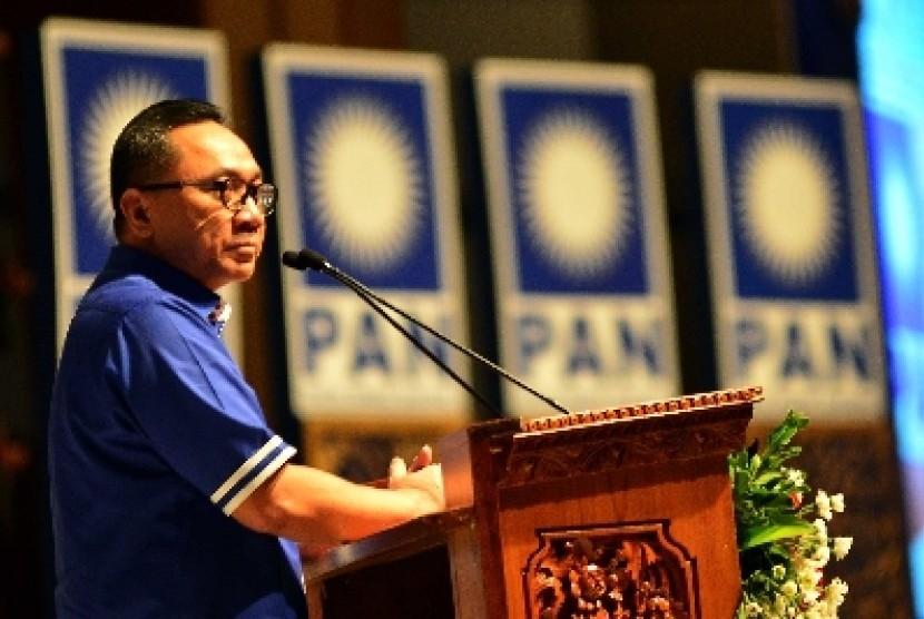 Ketua Umum PAN Zulkifli Hasan menutup Kongres ke-4 di Nusa Dua, Bali, Senin (2/3).
