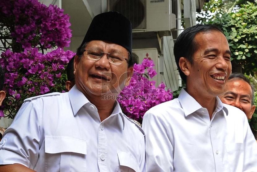 Ketua Umum Partai Gerindra Prabowo Subianto (kiri) dan Presiden Joko Widodo (kanan)