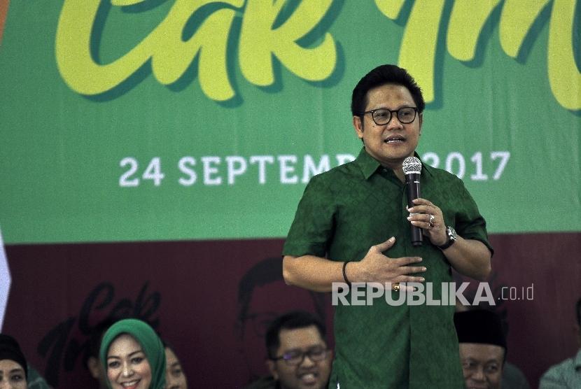 Ketua Umum Partai Kebangkitan Bangsa (PKB) Muhaimin Iskandar (Cak Imin) memberi sambutan saat acara peluncuran bukunya di Kantor DPP PKB, Jalan Raden Saleh, Jakarta, Ahad (24/9).