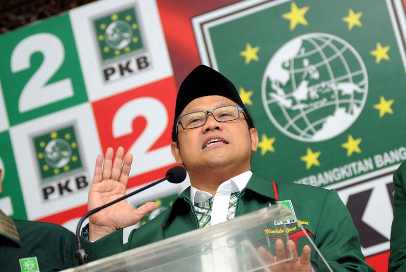 Ketua Umum Partai Kebangkitan Bangsa (PKB) Muhaimin Iskandar memberikan keterangan pers terkait hasil sementara Pemilihan Umum (Pemilu) Legislatif 2014 di Jakarta, Kamis (10/4).