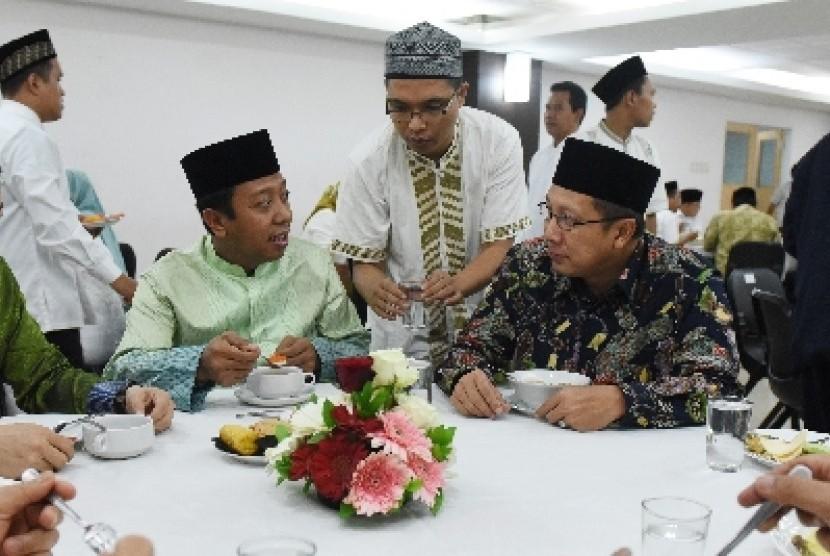 Romahurmuziy: Romahurmuziy Gelar Safari Ramadhan Ke Ponpes Di Jatim Dan