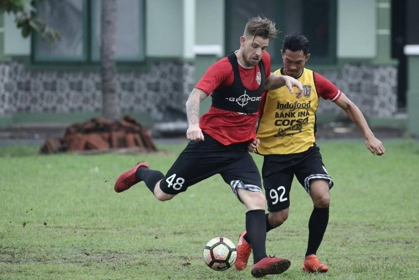 Alumni Belanda Bantu Kevin Brands di Bali United