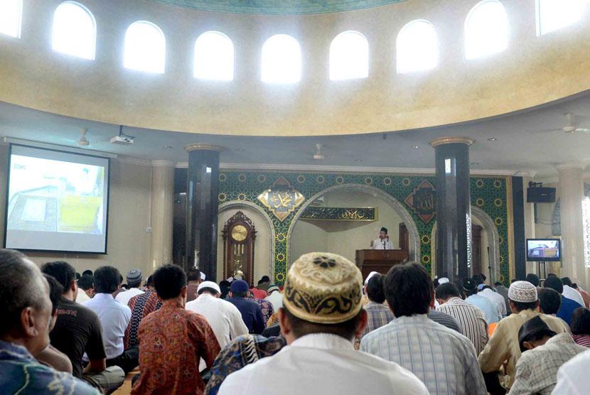Dewan Ulama Senior Al-Azhar Larang Khutbah Tekstual?