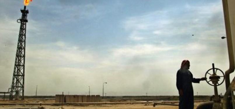 Kilang minyak Irak di Basrah.