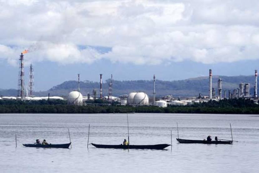 Kilang minyak Pertamina Unit Pengolahan IV di Cilacap, Jawa Tengah.