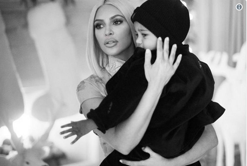 Kim Kardashian: Terima Kasih Perawat dan Dokter