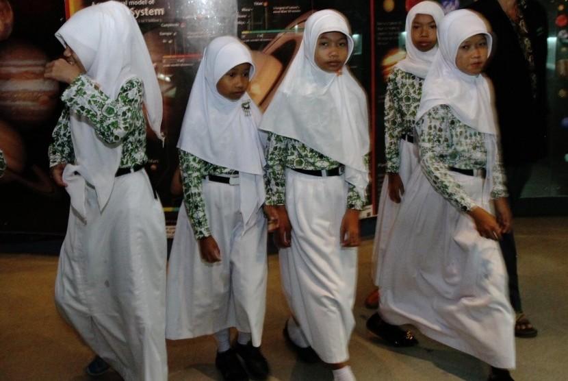 Kemenag Buka Seleksi Nasional Masuk Madrasah Unggulan