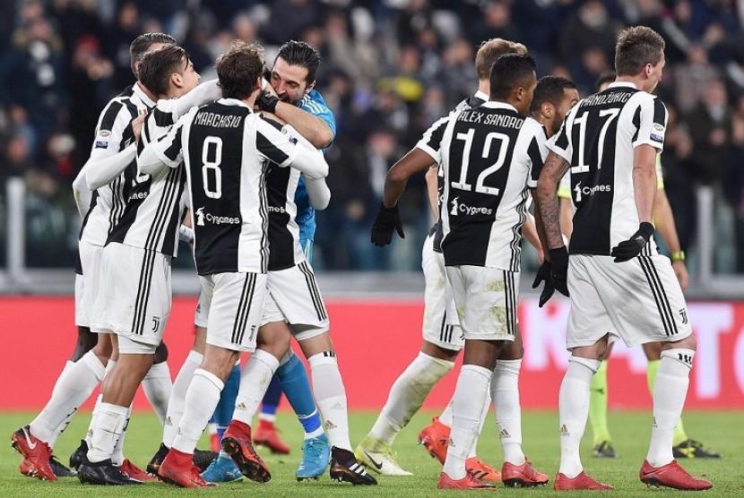 Cetak Gol Perdana, De Sciglio Diminta Traktir Tim Juventus
