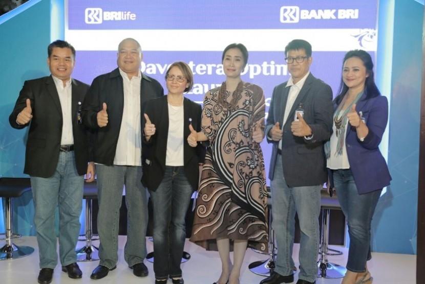 Kolaborasi BRI Life dengan induk usaha, Bank BRI.