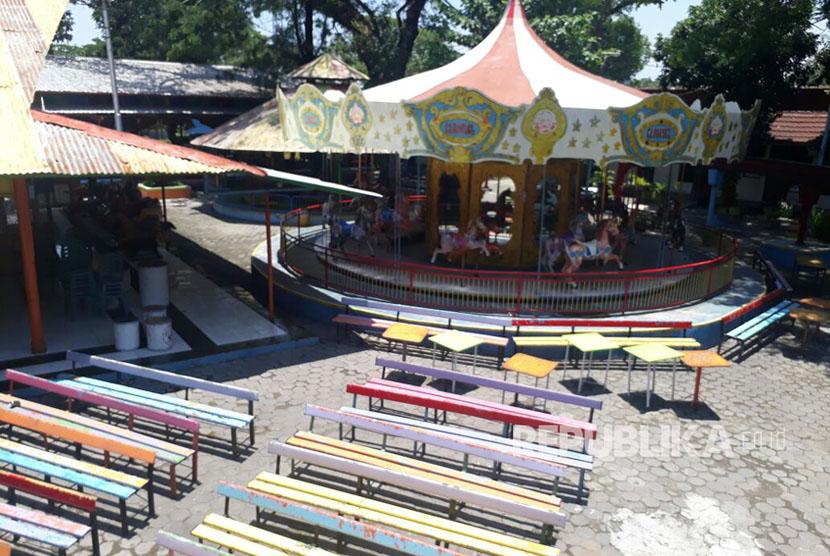 Komedi putar  di Taman Hiburan Rakyat (THR) Sriwedari tak beroperasi, Kamis (12/10).