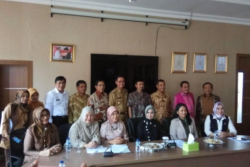 Komite II DPD RI melakukan pengawasan terkait UU Ketahanan Pangan, di Makasar Sulawesi Selatan, Senin (20/11).