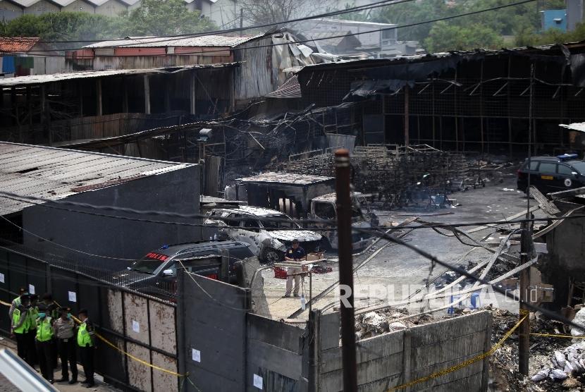 Pabrik Mercon Kosambi Jelas Lakukan Pelanggaran