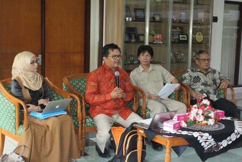 Konferensi pers Kuliah Umum Dr Zakir Naik di UMY.