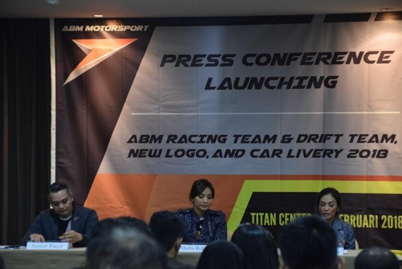 konferensi pers launcing new livery ABM Motorsport di Titan Center Bintaro, Ahad (25/2).