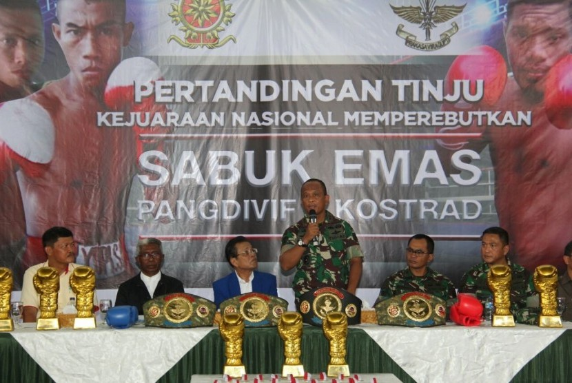 Konferensi pers Sabuk Emas Panglima Divisi Infanteri 1 Kostrad, Depok, Jumat (12/1).