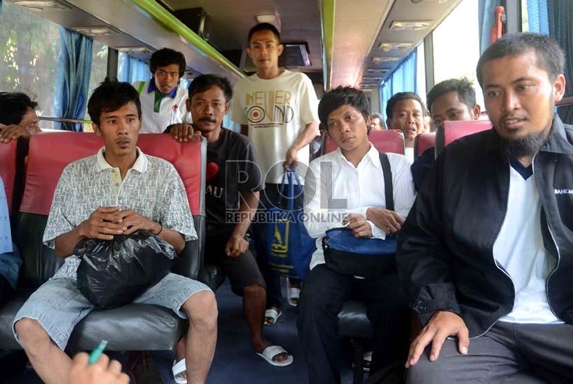 Korban selamat kecelakaan kapal feri Bahuga Jaya dirawat di Rumah Sakit Krakatau Medika Cilegon, Banten, Rabu (26/9).    (Agung Supriyanto/Republika)