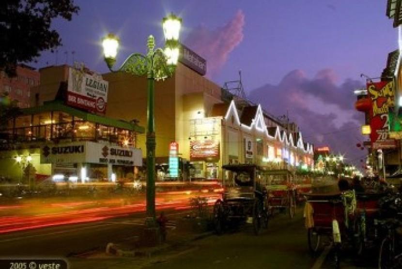 Kota Yogyakarta Di Waktu Malam Selama Ramadhan Suhu Ini Pada Siang Hari