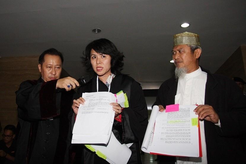 Hasil gambar untuk Advokat Cinta Tanah Air (ACTA) meminta agar adik Basuki Tjahaja Purnama (Ahok), Fifi Lety Indra