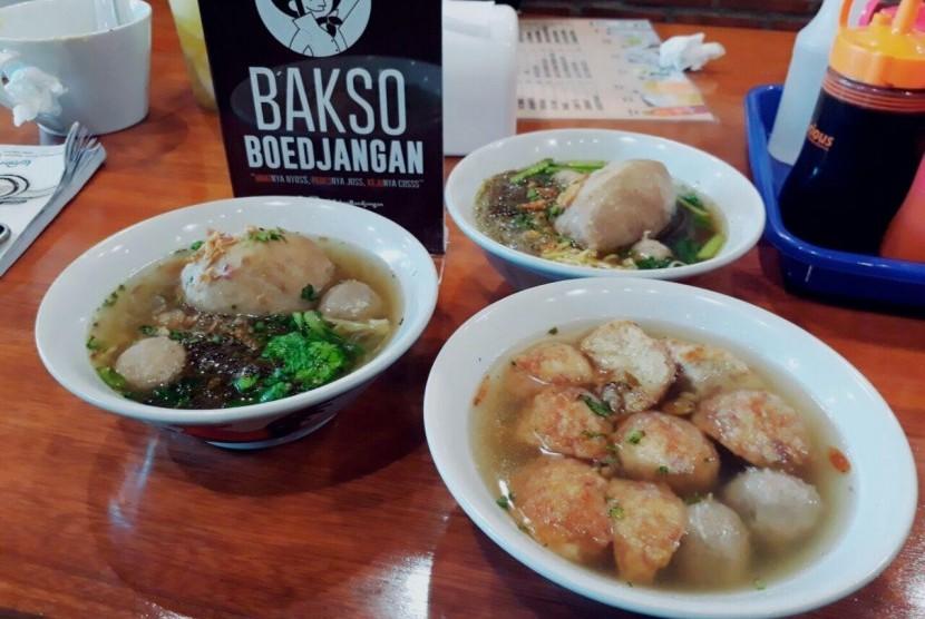 Kuliner yang berasal dari Bandung, Bakso Boedjangan mencoba memasuki dunia persaingan makanan di Kota Malang.