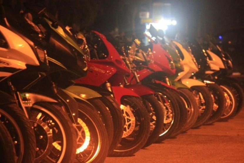 Kumpulan motor Kawasaki Ninja para member NOC Dumai.