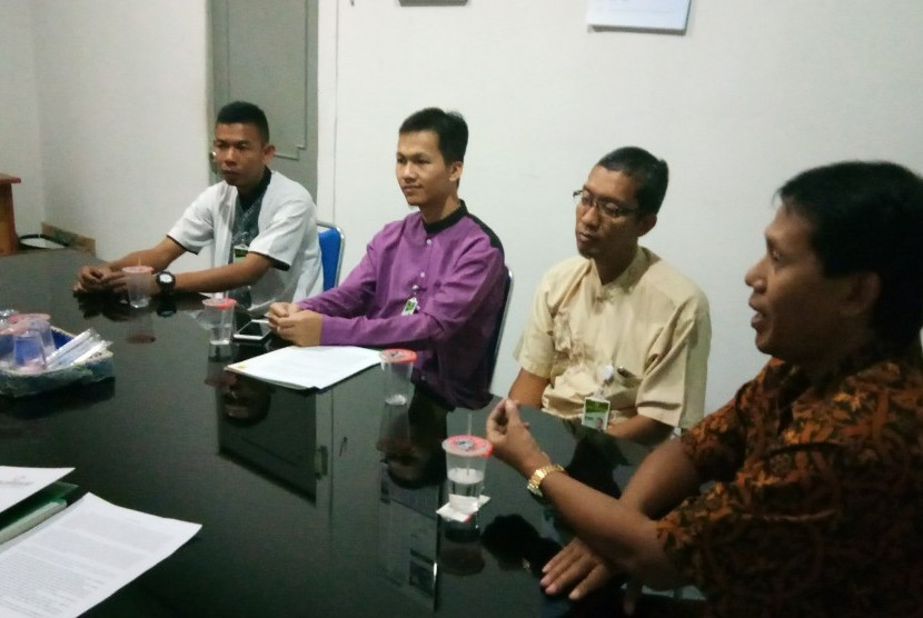 Kunjungan perwakilan Bank Syariah BDS Yogyakarta ke kantor Harian Republika Perwakilan DIY-Jateng.