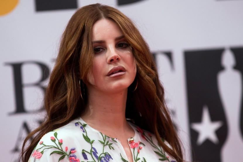 Radio Head Bantah Gugat Lana Del Rey