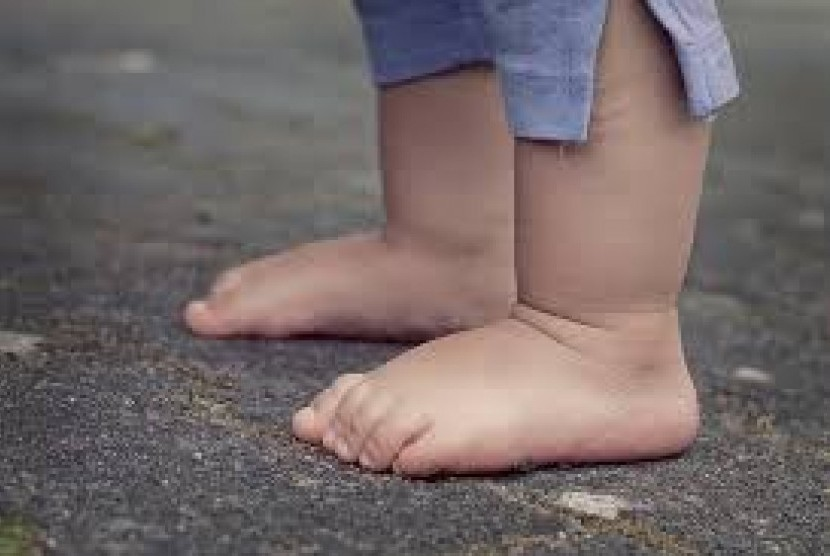 Langkah pertama anak menjadi tonggak penting dalam perkembangan anak. Khususnya untuk perkembangan motoriknya.