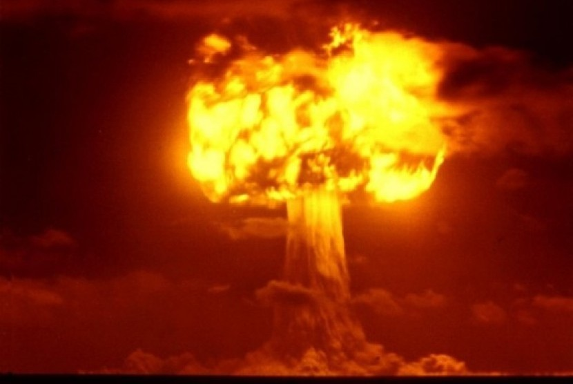 Ledakan bom atom. ilustrasi.