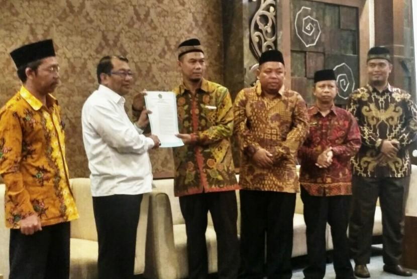 Lembaga Amil Zakat (LAZ) Al Ihsan Jawa Tengah dikukuhkan sebagai LAZ Provinsi pada Sabtu (9/9).