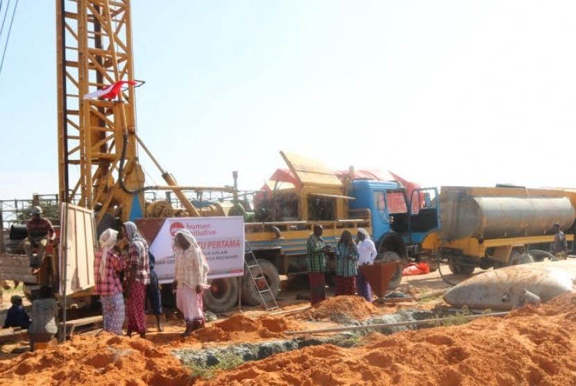 PKPU HI Bangun Sumur Artesis Bertenaga Matahari di Somalia