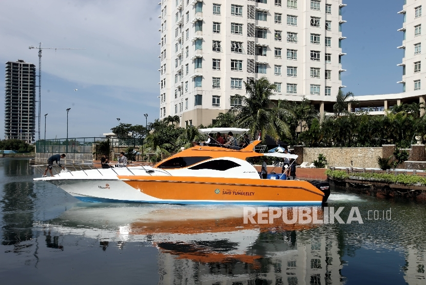 Lazismu presented the floating clinic Said Tuhuleley to the press at Jakarta, Friday (Feb 17).