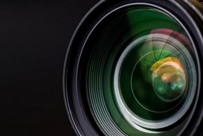 Lensa Kamera. Ilustrasi.