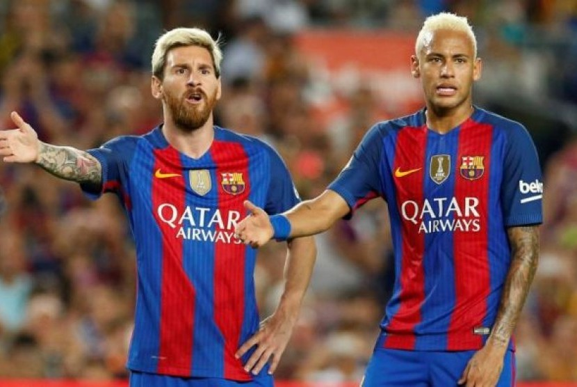Lionel Messi (kiri) dan Neymar saat masih berada di Barcelona