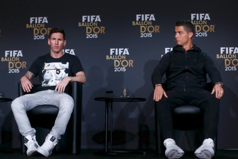 Lionel Messi (kiri) dan Cristiano Ronaldo