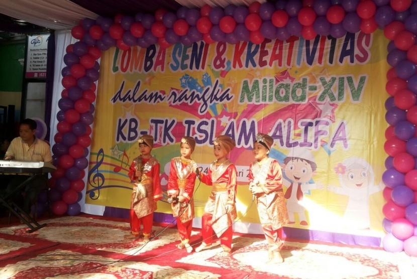 Lomba kreativitas yang diadakan dalam rangka HUT ke-14 TK Alifa.