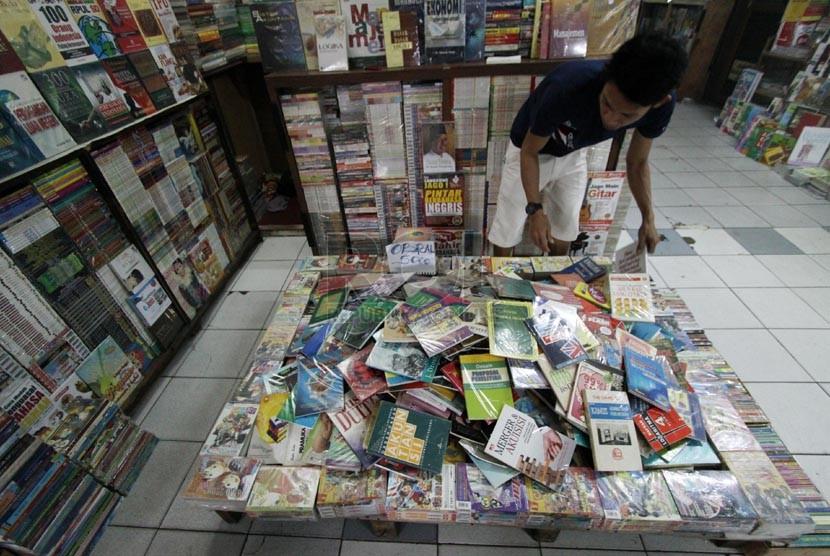 Berburu Buku Bekas Di Blok M