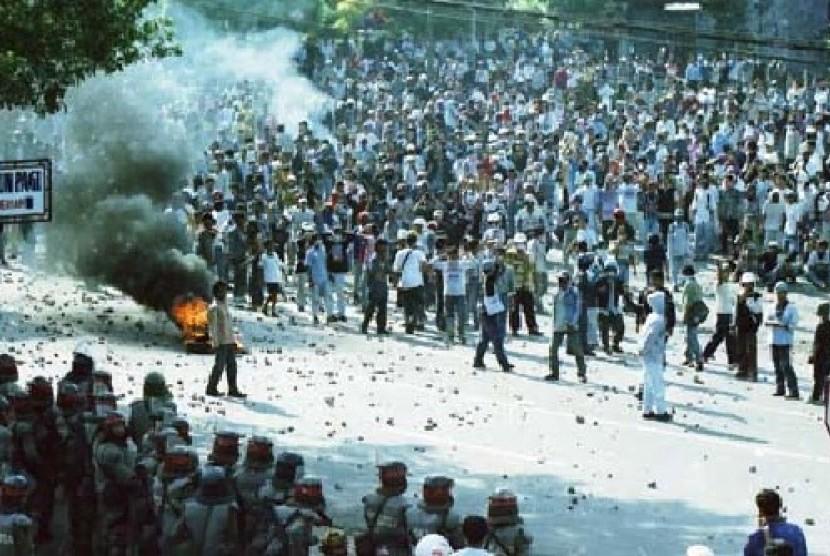 HariIniDi1998EmpatMahasiswaTrisaktiDitembak