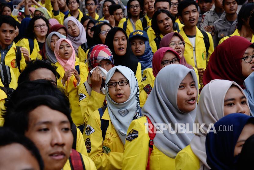 Mahasiswa Universitas Indonesia.