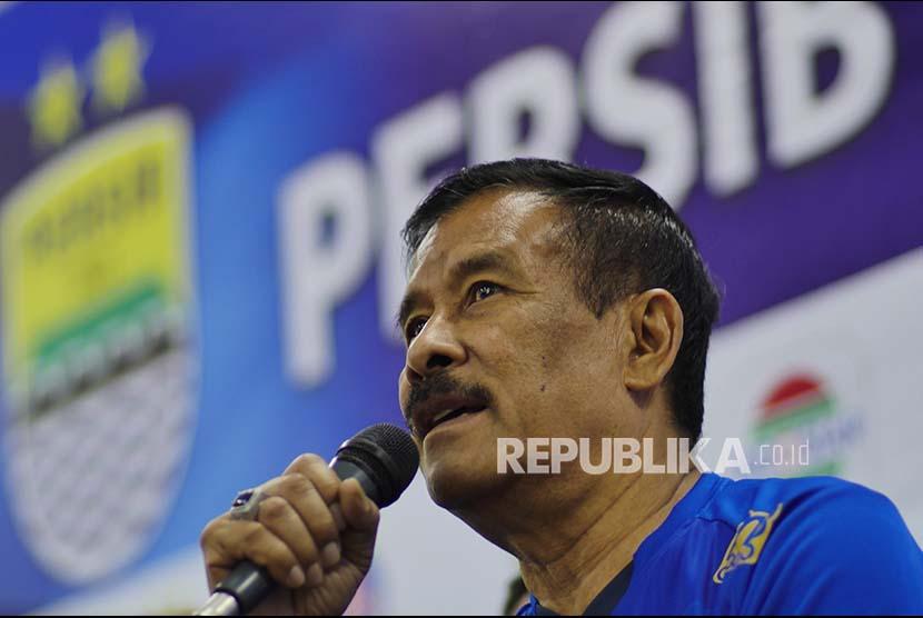 Manager Persib Bandung Umuh Muchtar