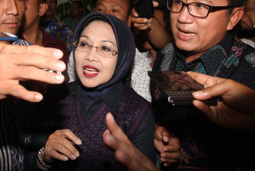 Usai Keluar Menjalani Pemeriksaan, Sylviana Sebut Nama Jokowi
