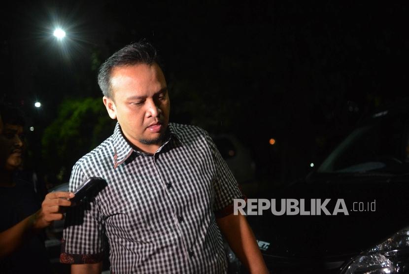 Permalink to KPK Geledah Rumah Keponakan Setya Novanto