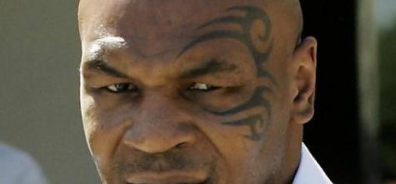 Mantan jawara tinju sejati kelas berat Mike Tyson alias Malik Abdul Azis.